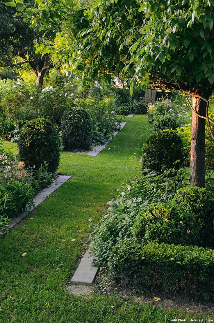 Beautiful natural gardens - Un Jardin Auvergnat Moderne Et De Caract Re Beautiful Gardensgarden