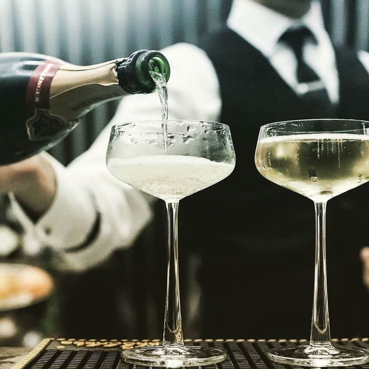 Let the weekend begin!  #astorbond -- #champagne #fridaymood #fridayfun #menstyle #mensaccessories #watches #champagnelife