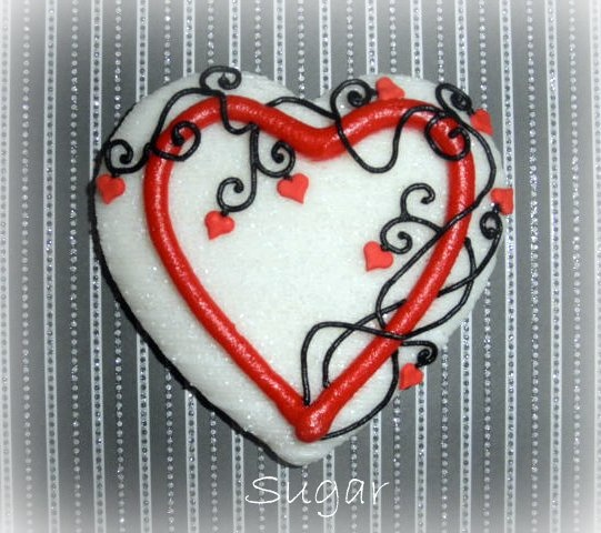 Heart cookie from Sugar Kim, a spectacular cookie artist: Cookies Ideas, Sugar Cookies, Valentines Cookies, Cookies Valentines, Cookies Decor, Heart Cookies, Cookies Design, Cakes Cookies Desserts, Cookies Artists