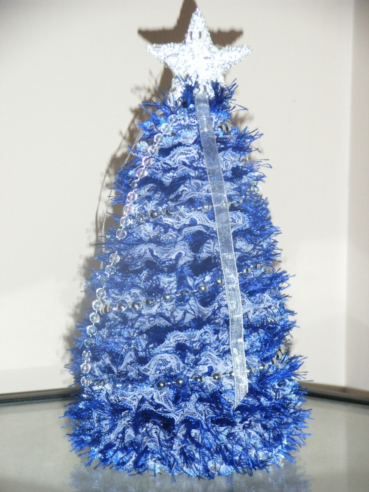 knitted xmas tree with blue eyelet lace | christmas tree ...