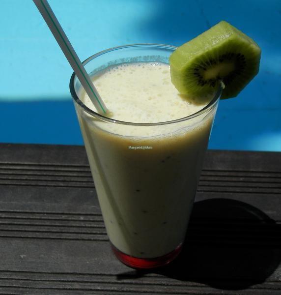 Milkshake de Ananás, Banana e Kiwi | SaborIntenso.com