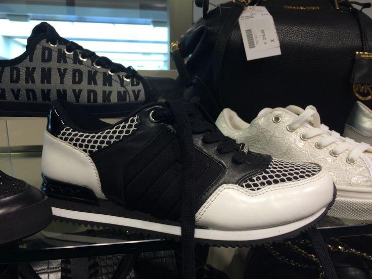 zwartwit sneaker DKNY € 99.95
