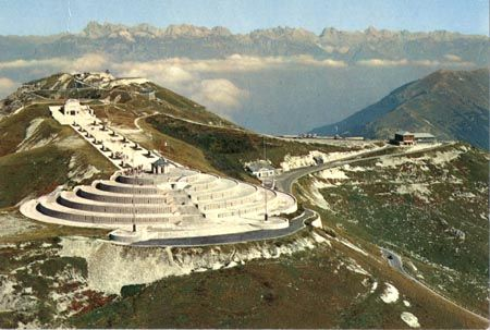 About 100km North West of Venice you can find a great mountain called Montegrappa. In WWI it was a rather sad place where many battles were fought. Today is it worth a visit to the War Monument: the tomb of 25000 Italian and Austrian soldiers, but also for the beautiful surroundings.