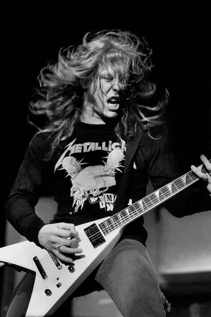 Pin By Larry On Metallica Concert Pics James Hetfield Metallica Heavy Metal Music