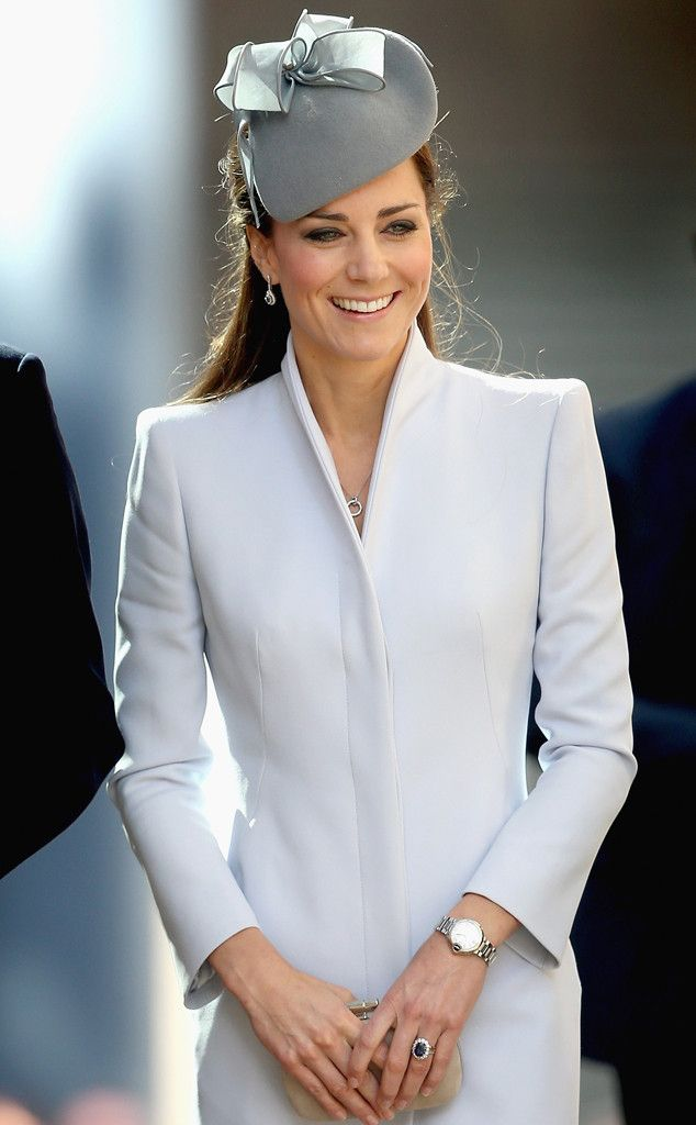 Kate Middleton, Prince William, Prince George from Royal Family Down Under | E! Online