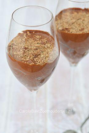 Chocolade mousse met twee ingrediënten!           LOW FAT                                                                 Two ingrediënt chocolate mousse  Carola Bakt Zoethoudertjes