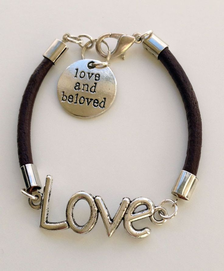Bruin leren armband Love. Unique handmade brown leather bracelet Love. With charm Love and Beloved. A bracelet that is made with love, just for you. http://www.charmantsieraden.nl/mama-sieraden/mama-armbanden/bruin-leren-armband-love.html