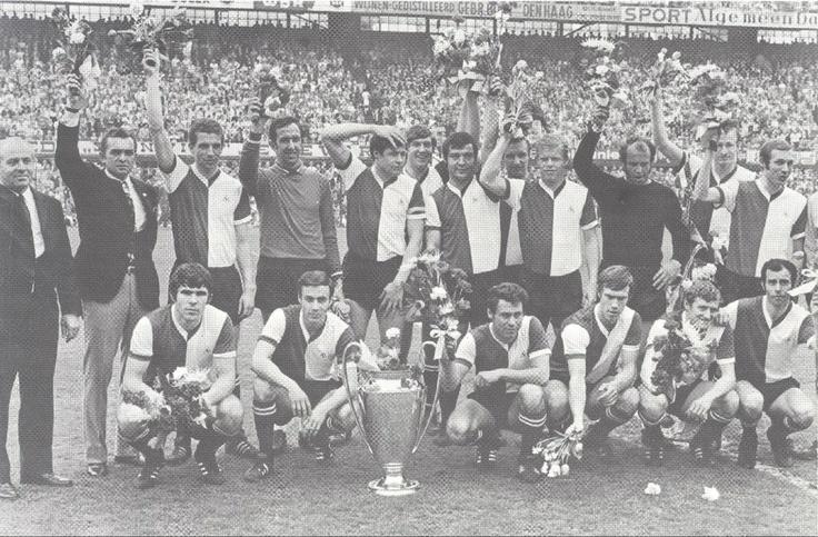 Glorieuze huldiging 10 mei 1970 van Feyenoord in De Kuip.