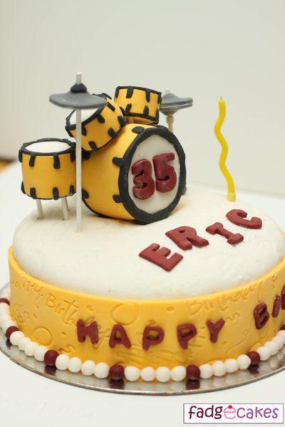 http://2.bp.blogspot.com/_BxM9EGGoZQo/TIVCK0qzHCI/AAAAAAAAAOQ/ymWom1f-gv4/s1600/drum-set-cake.jpg