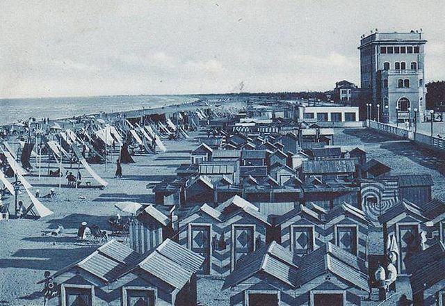 Spiaggia di Cervia nel 1941 - Foto di Cervia e Milano Marittima | Come eravamo: viaggio tra le foto d'epoca delle nostre città