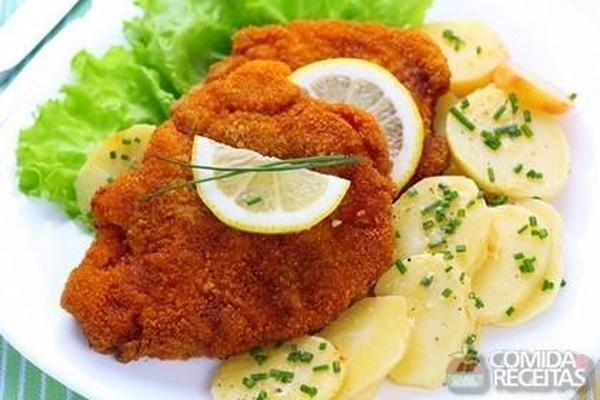 Receita de Filé de frango à milanesa em receitas de aves, veja essa e outras receitas aqui!