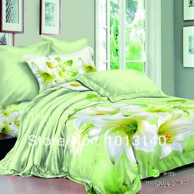 En Nuestro dormitorio hay una cama doble , muy confortable . En la cubierta hay flores , ella es verde y blanca , nos gusta mucho . Los cojines son tambien verdes ,blancos y suaves