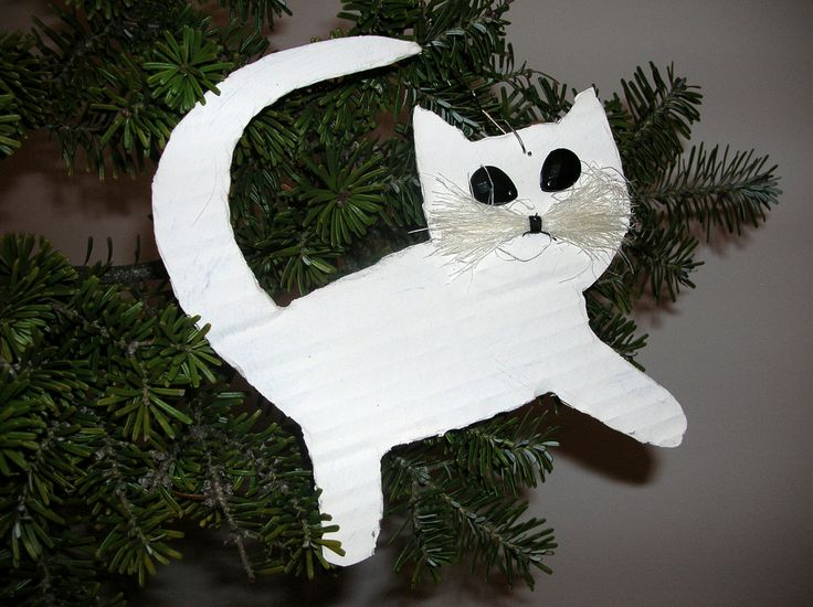 cats made of cardboard for Christmas tree http://handmadeowo.blogspot.com/2013/12/kotki-na-choinke-z-kartonu-cats-made-of.html