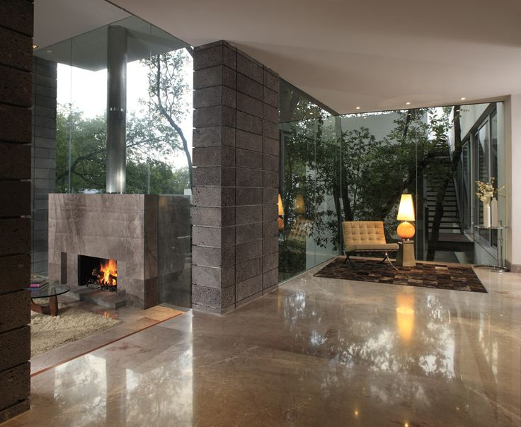 Wow, the glass walls are fabulous!