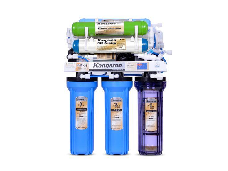 KANGAROO 9 STEP RO WATER PURIFIER KG109A Dihadirkan khusus untuk anda yang memiliki masalah pengadaan air minum yang mahal dan tidak efisien. Teknologi Reverse Osmosis yang digunakan oleh KANGAROO menggunakan teknologi Amerika yang sudah terkenal terhadap standar kesehatan untuk konsumen.