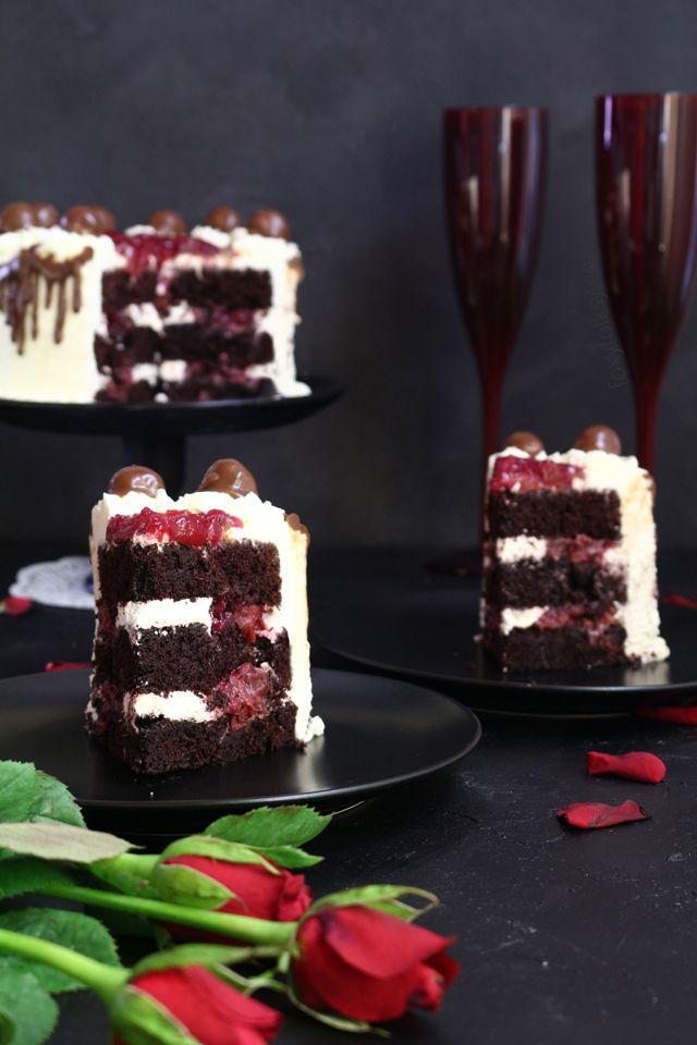 Try the original German black forest cake. Get recipe here! | www.foxyfolksy.com