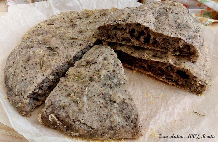 Ecco la ricetta per preparare la Focaccia di grano saraceno senza glutine ,con solo farine naturali come amido di tapioca e fecola di patate.
