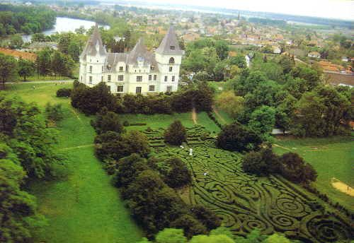 A tiszadobi Andrássy-kastély, Magyarország