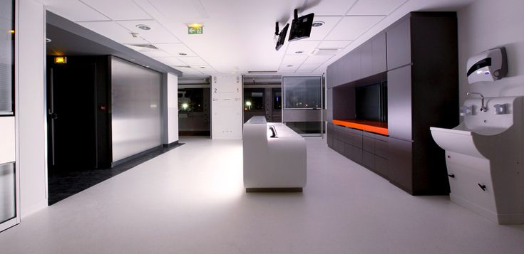 Stylish modern architecture designed by Pascal Marret in the unlikely setting of the emergency room of Edmond Garcin Hospital in Aubagne, France. His linear technical lines and tasteful use of color provide this clinical sanitary environment with character and function. This Emergency Room is an interesting futuristic design oasis amidst the walls of this otherwise traditional facility. http://kmb-architecture.eu/   Words: Fred Eagle