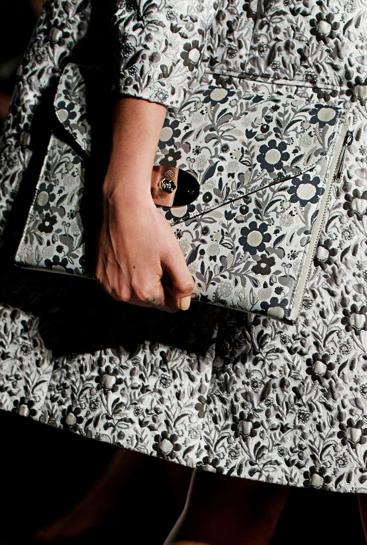 Detail of look 1: Mulberry Willow Clutch Shoulder Bag #LFW