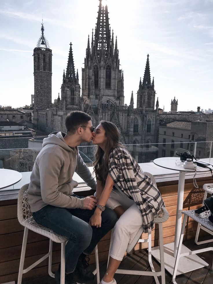 Barcelona Cathedral |Gothic Quarter Barcelona| Couple goals | Couple pictures www.instagram.com…