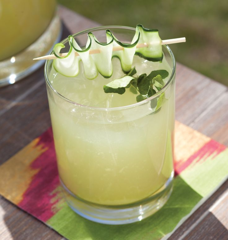 Celebrate summer with this simple cucumber gin spritzer that will keep ...