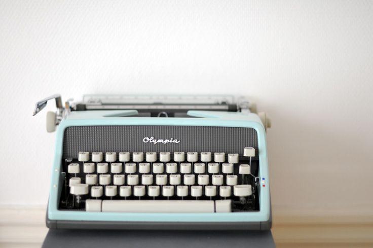Typewriter by www.lalistedesjolieschoses.com #lesjolieschoses