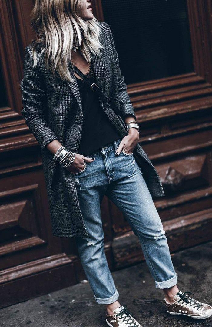 cute street style / tee + plaid blazer + boyfriend jeans + sneakers