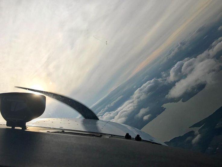#flighttraining #pilotlife #pilot #cessna #c172 #dallas #texas #flying #learntofly #airplane #aviation #flightschool #flymonarch