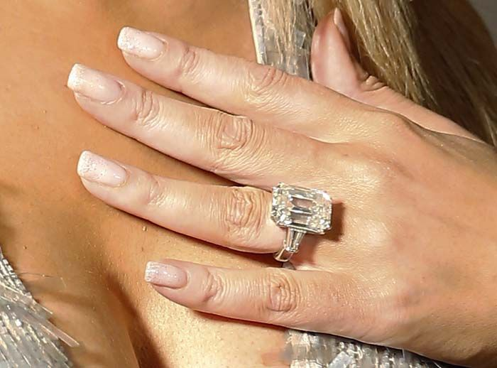 Mariah Carey flaunts her $10 million engagement ring from fiancé James Packer