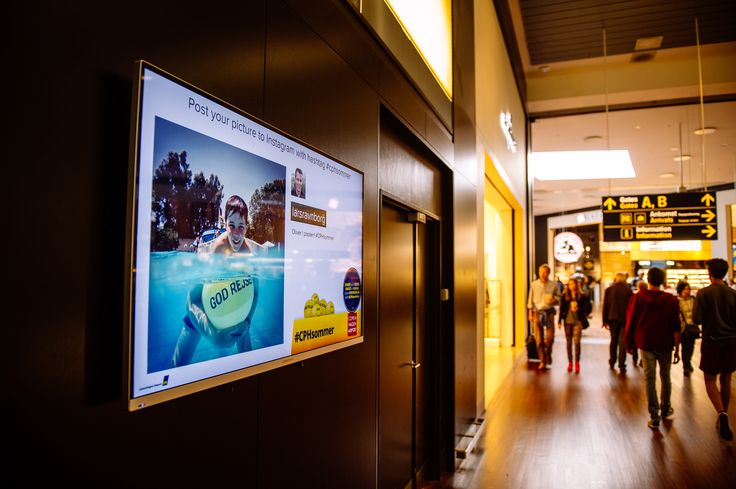 Photos from the #CPHsommer-competition were shown on screens in Copenhagen Airport during the summer.