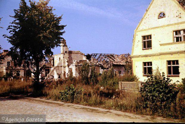 Zdjęcie numer 36 w galerii - Polskie miasta w powojennej ruinie. Unikatowe zdjęcia amerykańskiego studenta