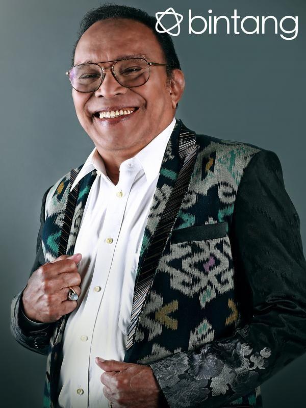 Kecintaan terhadap dunia musik khususnya tarik suara, begitu memiliki pengaruh yang besar dalam kehidupan seorang penyanyi legendaris tanah air, Bob Tutupoly. Setelah berjuang selama puluhan tahun di industri yang membesarkan namanya, Bob memiliki pandangan tersendiri menyoroti musik dulu dan masa kini.  #BobTutupoly #Penyanyi #EKSKLUSIF #Bintang3Generasi #1TahunBintang #Bintang #Indonesia
