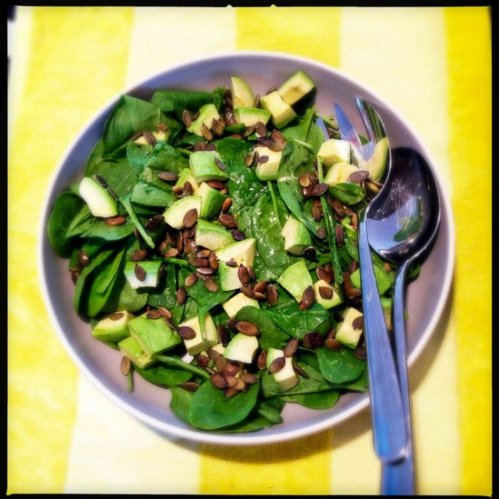 A simple, tasty Nigella Lawson salad packed full of healthy ingredients. Yes please! Spinach, avocado and pumpkin seed salad.
