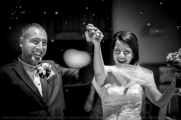 Fotografare il matrimonio di Marzia e Andrea è stata una gioia incredibile! Due stupendi ragazzi, due amici, da tanti anni, con una bambina serena e gioiosa che li ha accompagnati per tutto il giorno.  Hanno pensato e organizzato un matrimonio giovane e divertente, nella splendida cornice di Villa Matarazzo a Gradara. Essere scelti come fotografi è stata una grossa soddisfazione. Un augurio speciale a questa splendida coppia.