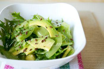 Салат из зеленых помидоров и авокадо