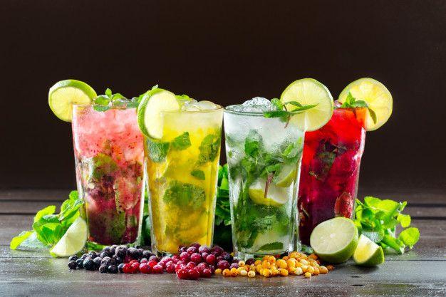 Diferentes Tipos De Mojito Cocktail En M Premium Photo Freepik Photo Fiesta Verano Restaurante Frutas Mojito Cocteles Ilustraciones De Alimentos