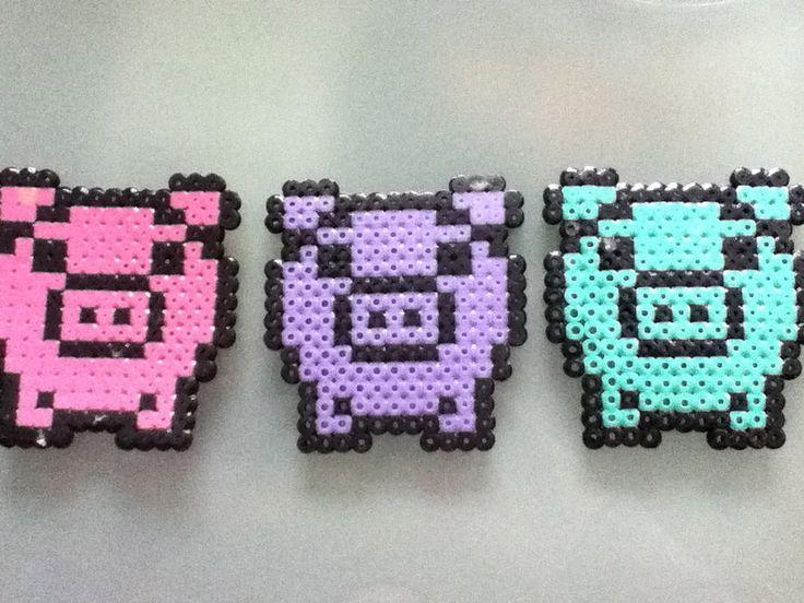 Perler bead pigs by ~Purplepandacharms on deviantART