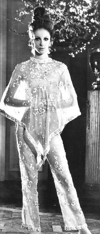 61 Best Chic Society Ladies Dolores Guinness Images On