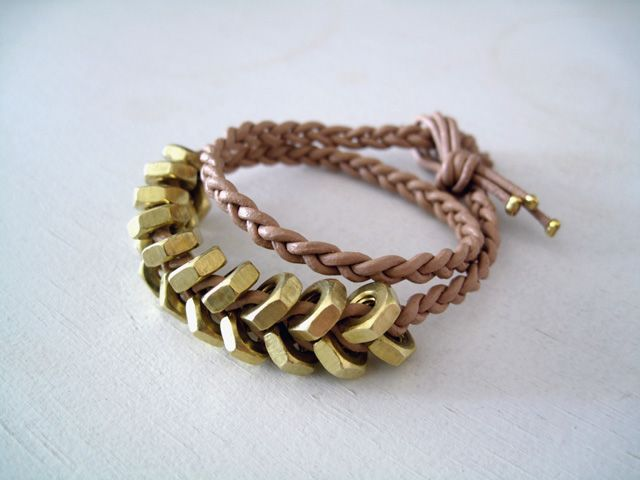 DIY hex nut braceletDiy Gift, Braids Bracelets, Diy Bracelets, Diy Hex, Hexnutsdiy Decor, Leather Wraps Bracelets, Nut Bracelets, Hex Nut, Leather Bracelets