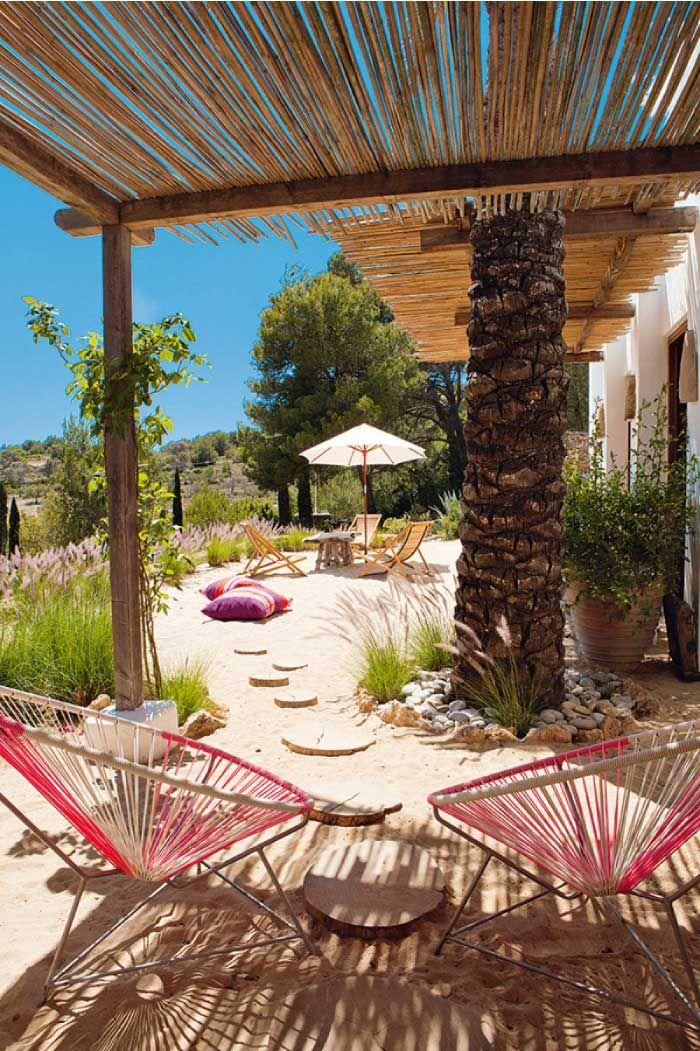 Eccentrica e coloratissima casa vacanze a Ibiza