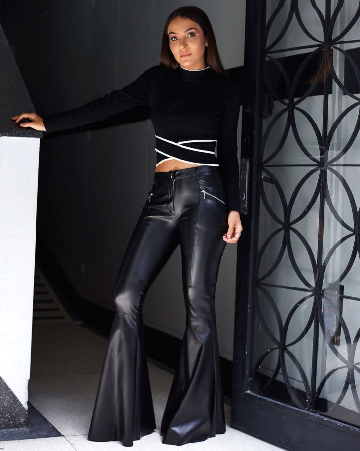 Calça flare preta: 50 looks estilosos com essa peça versátil