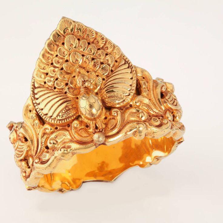 Traditional Peacock design Nagas bracelet #tbjewellery #Goldenmoments #traditionaljewellery #gold #jewellery #antique #bracelet #nagas #southindianjewelry #handmade