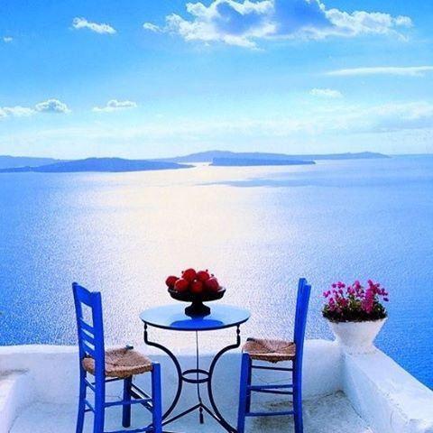 地中海の青い空や海に白い壁のコントラストが美しい街に行きたいけど、お金がない、時間がない、言葉が通じないのが嫌だ・・・そんな悩みを持ってるあなたが絶対に行きたくなる場所を教えます。日本にこんな場所があるなんて、知っていましたか?