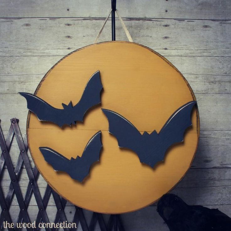 DIY Halloween : DIY Bat & Moon Door Hang DIY Halloween ...