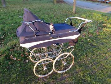 Prachtige ouderwetse kinderwagen Mutsaerts