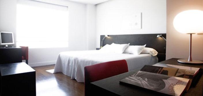 Amplias habitaciones para que te sientas como en casa. Estancias dobles, individuales, triples... ¡Escoge la tuya!