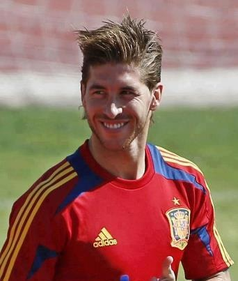 he cut his hair. --.-- he looked cuter with long hair. SERGIO RAMOS. hes probably my 2nd fav.