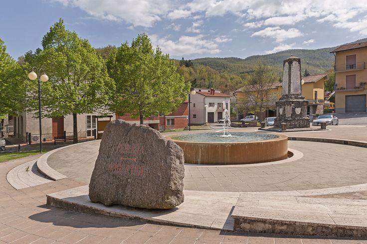 La piazza | The square | www.infoaltaumbria.it | #LiscianoNiccone #Umbria | © Alta Umbria 2015