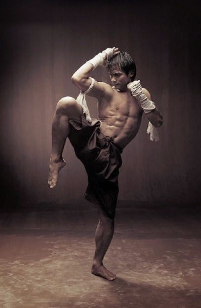 Muay thai ★ Find more at http://www.pinterest.com/competing/